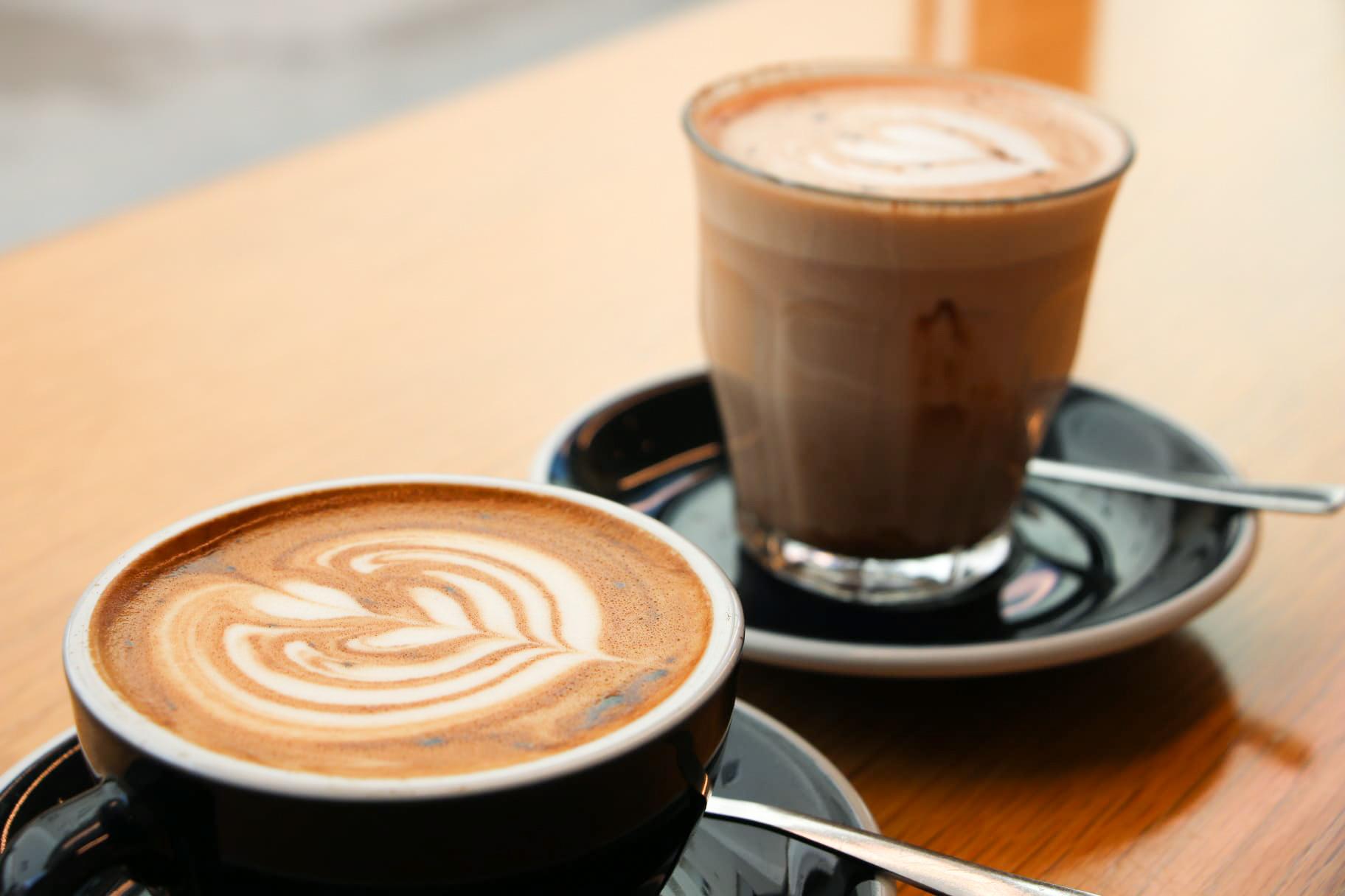 Kaffee, Katzen und mehr – Porto's Cafés
