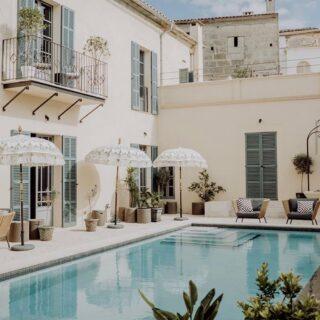 Das @tenmallorca ist im kleinen Ort Sineu auf Mallorca gelegen. Das Boutiquehotel ist mit neun Zimmer ausgestattet und verfügt über einen Pool. Für mich ist es eines der schönsten Hotels der Insel. ✨ #boutiquehotel #mallorca #tenmallorca #mallorcatourism #spain #luxurytravel #travel #guesthouse