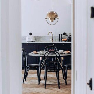 Wer einen Trip nach Palma de Mallorca plant, kann ich @ocho_suites_kitchen nur wärmstens empfehlen 🙏🏼 Die voll ausgestatteten Suiten überzeugen mit einzigartigem Design 💘 #palmademallorca #mallorca #spain #hotelinfluencer #hotelgram #hotelgoals #travel #notpaid